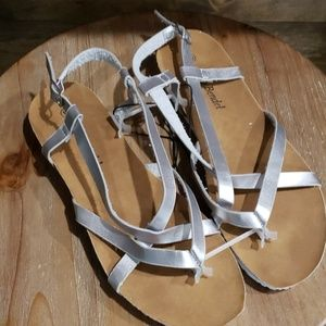 NEW Alexis Bendel silver strappy sandals 10